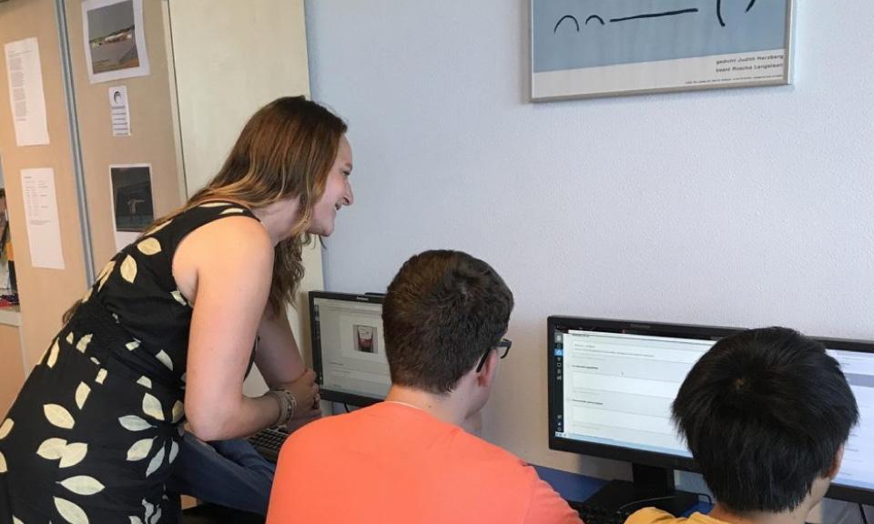 dankzij-een-digitale-leeromgeving-krijgen-leerlingen-gestructureerd-les-van-docent-Sanne