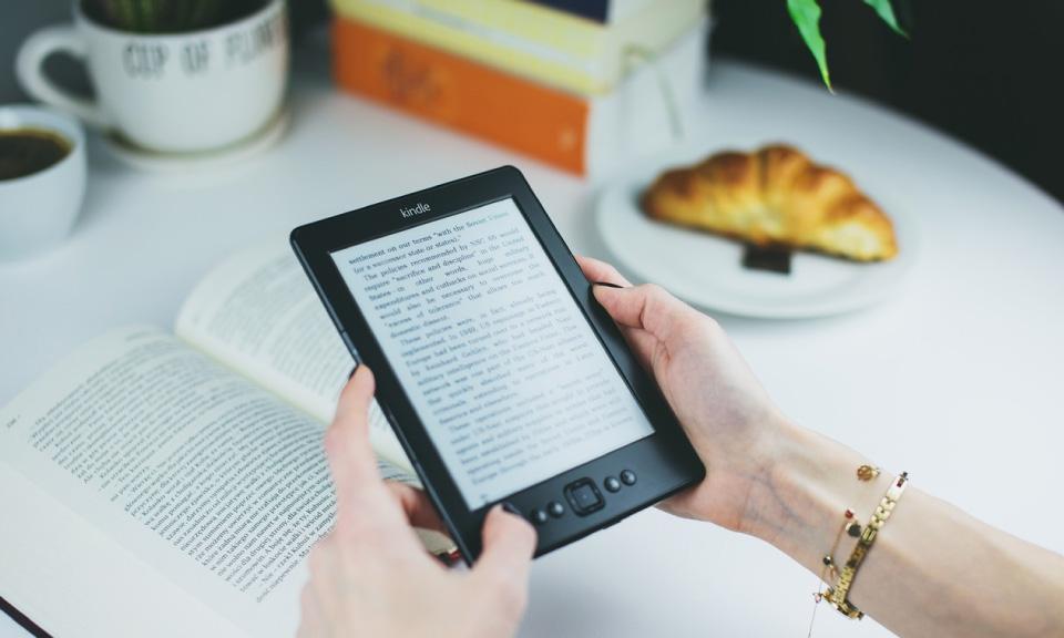 leerlingen lezen sneller met RSVP op een tablet
