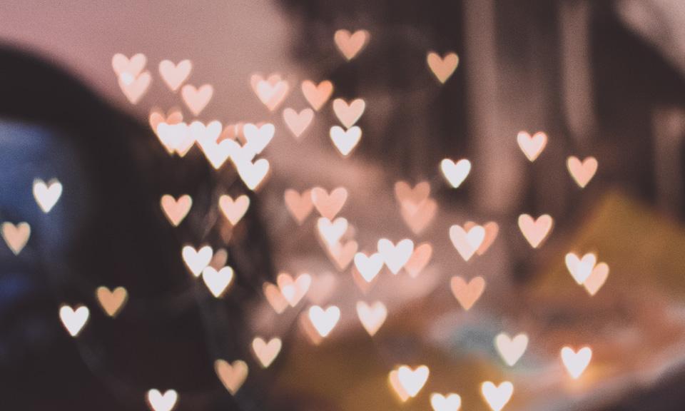 Cupido-Ramon-van-Learnbeat-verrast-middelbare-scholieren-op-Valentijdsdag