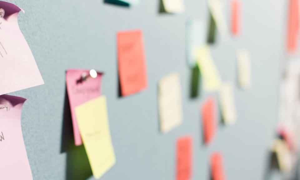 ideeën-genereren-met-je-klas-op-afstand-kan-met-een-digitale-brainstorm-sessie-tips-werkvormen-tools-voor-het-onderwijs
